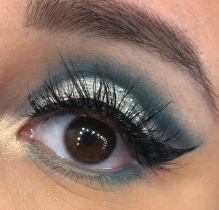 Cut crease eye